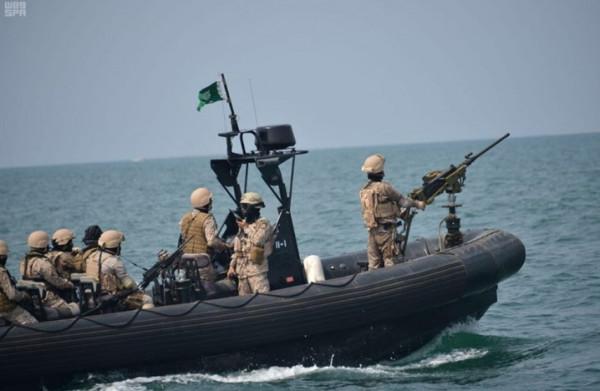 قوات التحالف تعترض زورقين حوثيين مفخخين جنوب البحر الأحمر