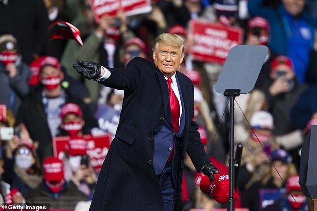 الفجوة تتقلص بين ترامب وبايدن قبل يومين فقط من موعد الانتخاباتالأمريكية