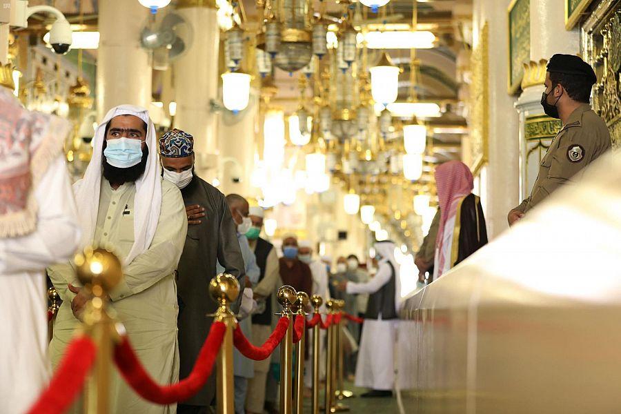 المسجد النبوي يستقبل الدفعة الأولى من معتمري الخارج2