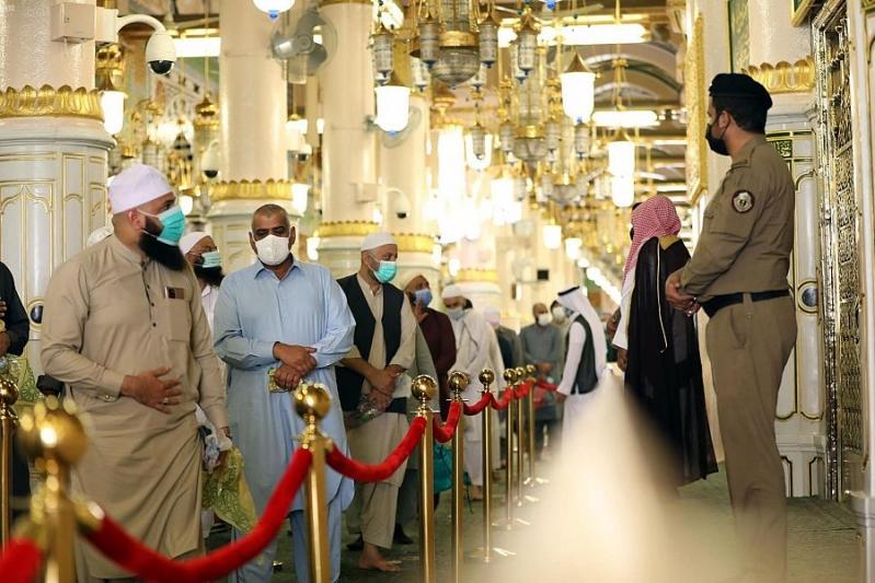 المسجد النبوي يستقبل الدفعة الأولى من معتمري الخارج