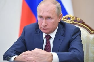 تقارير بوتين يتنحى في يناير بسبب إصابته بمرض باركنسون