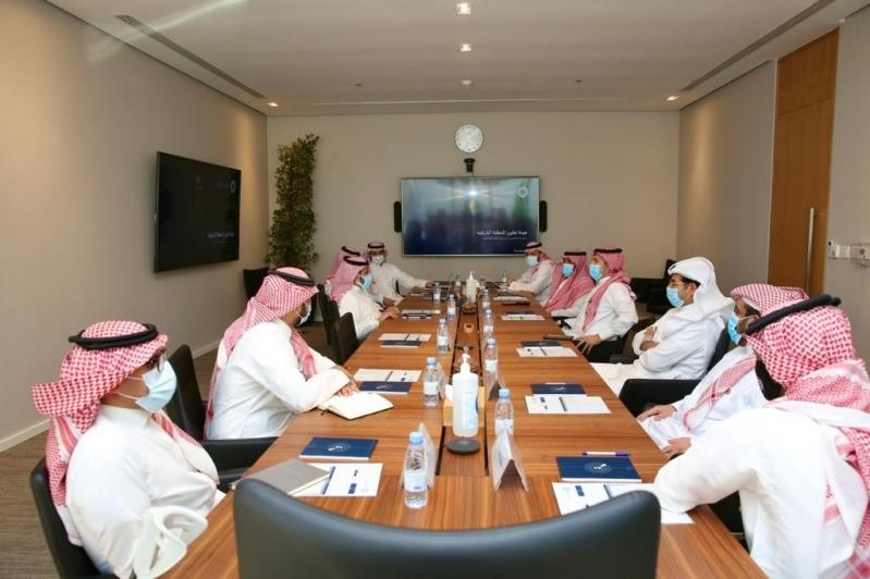 تفاصيل اجتماع رابطة دوري المحترفين وهيئة تطوير المنطقة الشرقية