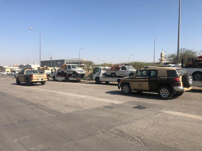ضبط 10 مخالفين بحوزتهم 12,5 طن من الحطب المحلي في الرياض - المواطن