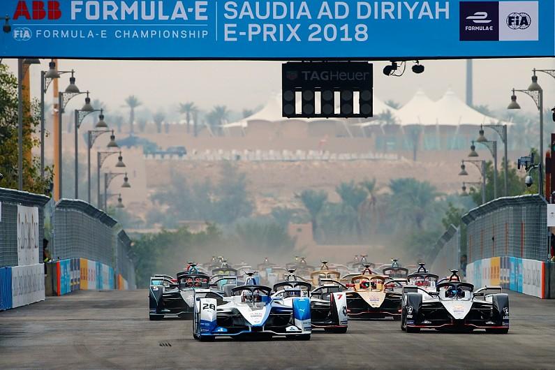 فورمولا إي تستضيف أول سباق ليلي على الإطلاق في السعودية 1