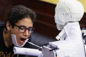 مصري يخترع روبوتًا للكشف عن كورونا - المواطن