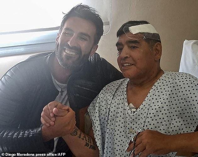 اشتباه في مقتل مارادوناوالشكوك تتجه نحو طبيبه الشخصي