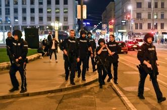 مواطنو النمسا قدموا 20 ألف مقطع فيديو لمساعدة السلطات على تتبع الجناة (6)