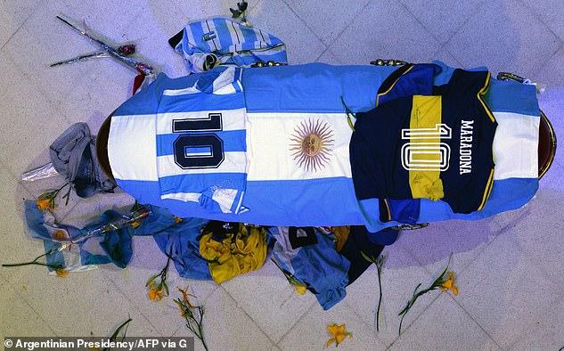 وريث مفاجئ يظهر لـ مارادونا ويطالب بإخراج جثته 3