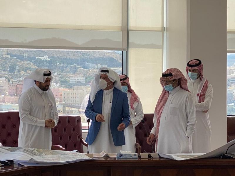 أمانة عسير تُشرف على اعتماد ومتابعة عدد من مشاريع بلدية محايل - المواطن