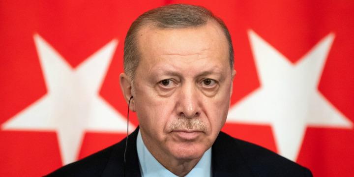 38 % من الأتراك يشعرون بالغربة بسبب غياب العدالة وقمع الحريات