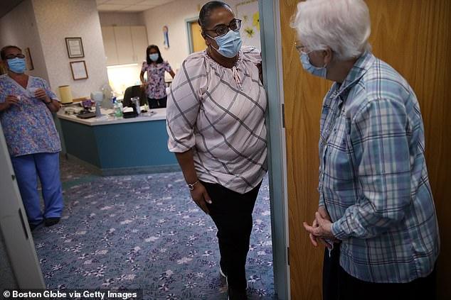 كبار السن المشاركون في نفس الغرف أكثر عرضة لفيروس كورونا والوفاة