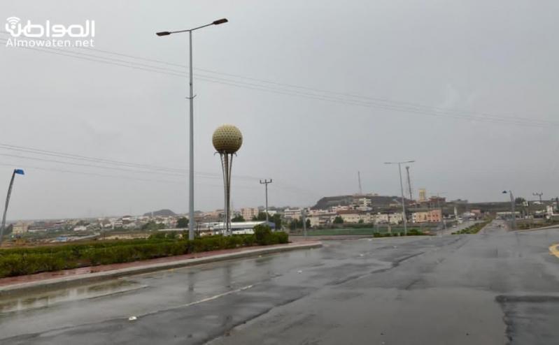شاهد.. أمطار الفجر تنعش أجواء البرك