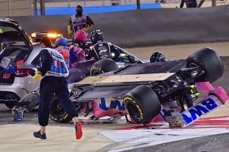 صور.. انشطار سيارة متسابق فورمولا 1 واشتعالها بالبحرين - المواطن