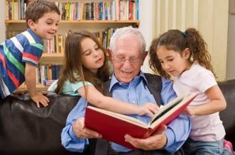 6 فوائد علمية لتربية الأطفال مع أجدادهم