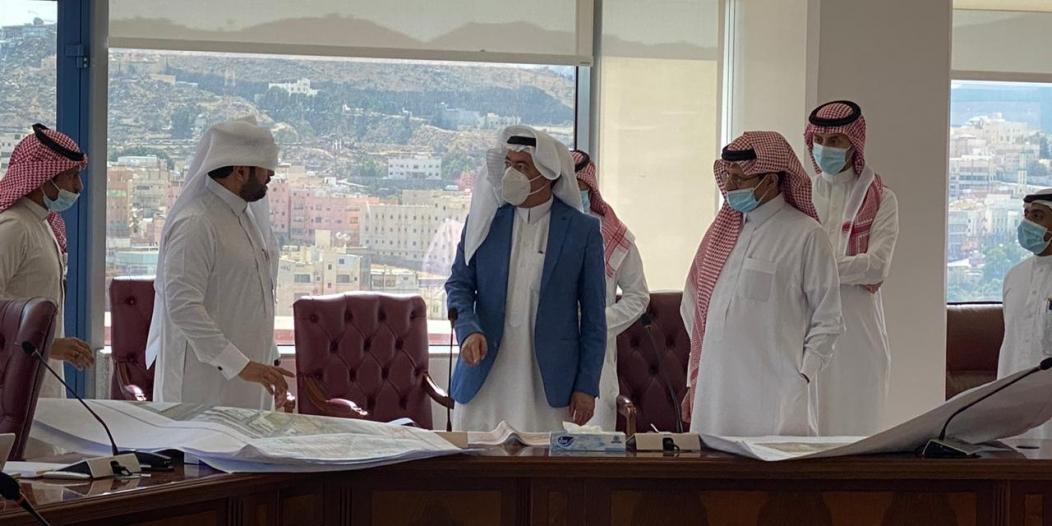 أمانة عسير تُشرف على اعتماد ومتابعة عدد من مشاريع بلدية محايل