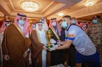 وزير الرياضة في مباراة الهلال والنصر