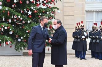 السيسي يتهم الإخوان بنقل التطرف لفرنسا والعالم - المواطن