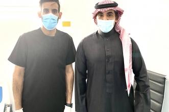 سلمان الدوسري بعد تلقى لقاح كورونا : الحمد لله أني سعودي - المواطن