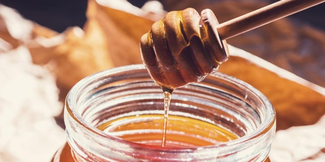 شراب العسل الوصفة المثالية للنوم السريع والمريح
