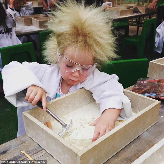 طفرة وراثية تمنع شعر طفلة من التمشيط