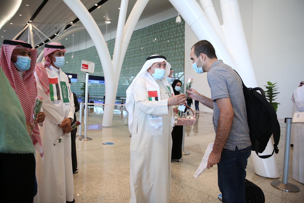 مطار الملك عبد العزيز يحتفل باليوم الوطني للإمارات 4