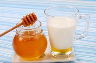 لتقوية مناعة الأطفال .. عليكم بملعقة عسل مع الحليب - المواطن