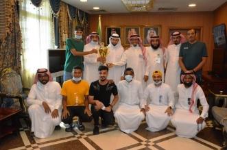 محافظ محايل يستقبل رئيس وأعضاء ولاعبي نادي الشهيد - المواطن