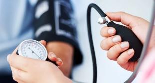 ما العلاقة بين درجة حرارة الجسم وارتفاع ضغط الدم؟