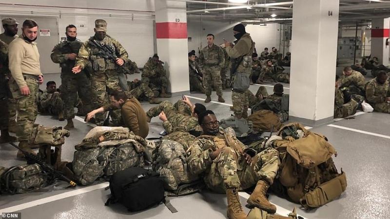 إدارة جو بايدن تثير غضب الحرس الوطني بعد نبذهم بالعراء (6)