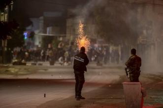 بالصور.. احتجاجات عنيفة في تونس وصدامات مع الشرطة - المواطن