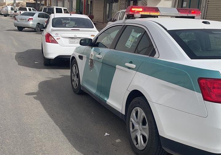 المرور يضبط قائد مركبة قطع الإشارة أمام دورية الشرطة في الخرج