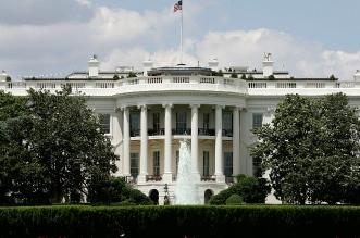 جو بايدن يطرد موظفًا في البيت الأبيض ويحذر الآخرين من هذا الأمر (1)