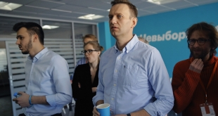 صحيفة روسية تكشف التهم الموجهة للمعارض أليكسي نافالني