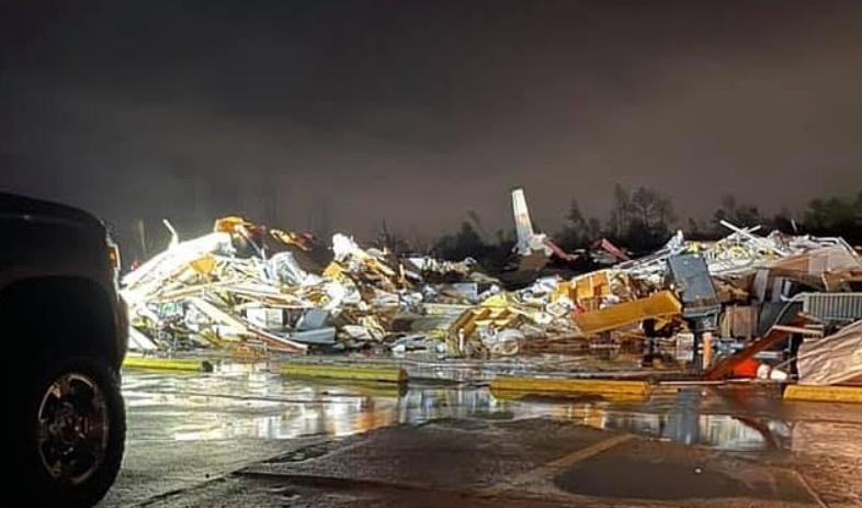 فيديو.. إعصار مدمر يضرب ألاباما والخسائر باهظة - المواطن