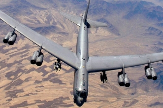 قاذفات B-52
