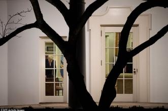 كواليس ما كان يفعله دونالد ترامب أثناء تعرض الكابيتول للهجوم (2)