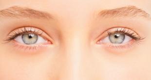 ما أسباب عدم تساوي حجم العينين؟