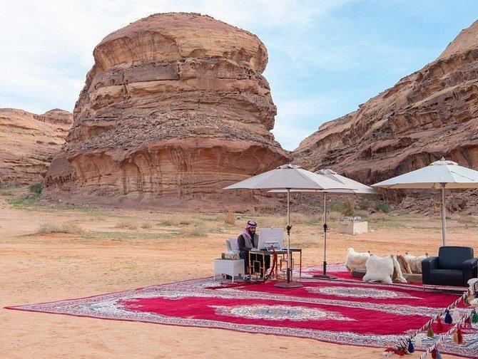 من الصحراء نقود العالم.. صورة مكتب محمد بن سلمان تثير إعجاب رواد تويتر