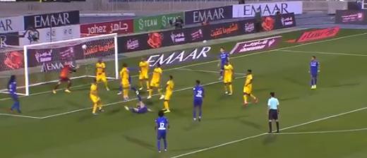 الـVAR يُصادق على أول أهداف فييتو مع الهلال بـ دوري محمد بن سلمان