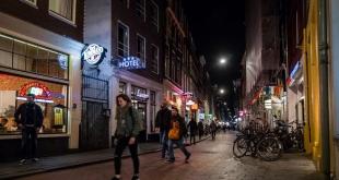 هولندا تفرض حظر تجول لأول مرة بسبب كورونا