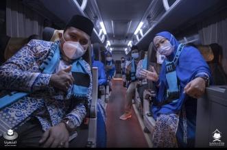 وصول فوج من معتمري إندونيسيا إلى مطار الملك عبدالعزيز الدولي - المواطن
