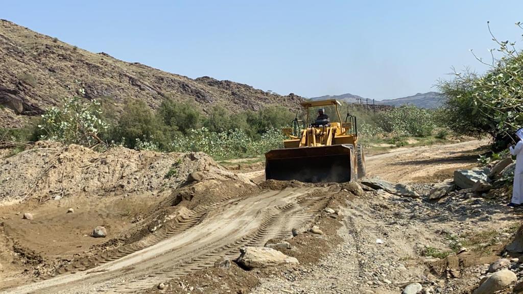 12 لجنة لإزالة التعديات والعقوم في وادي قنونا - المواطن