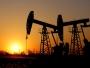 ارتفاع أسعار النفط بعد جنوح سفينة في قناة السويس