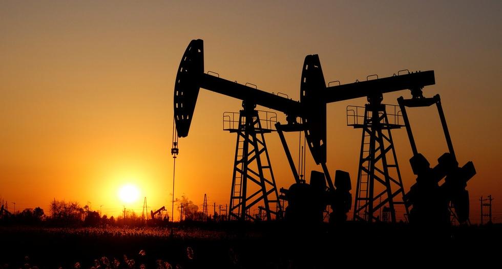 النفط يواصل مكاسبه اليوم