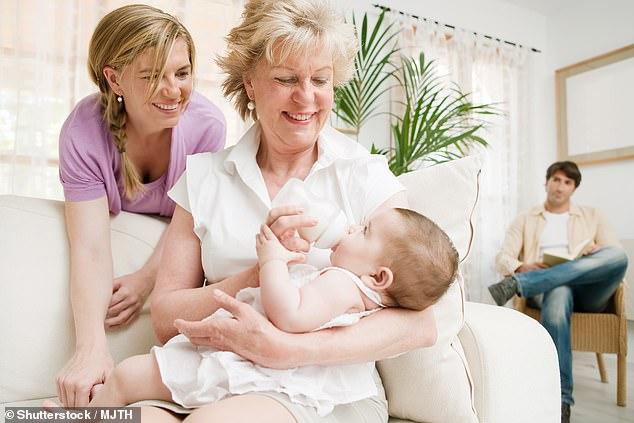 دراسة: الوالدان يواجهان أزمة النوم المتقطع بعد ولادة الطفل الأول
