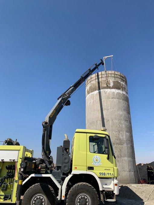 إنقاذ أربعة عمال سقطوا داخل خزان على ارتفاع 10 أمتار بالمدينة
