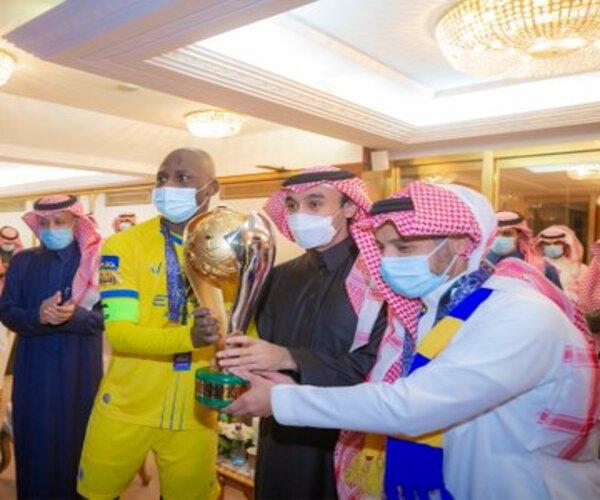 وزير الرياضة يُهنئ النصر بعد تتويجه بـ السوبر