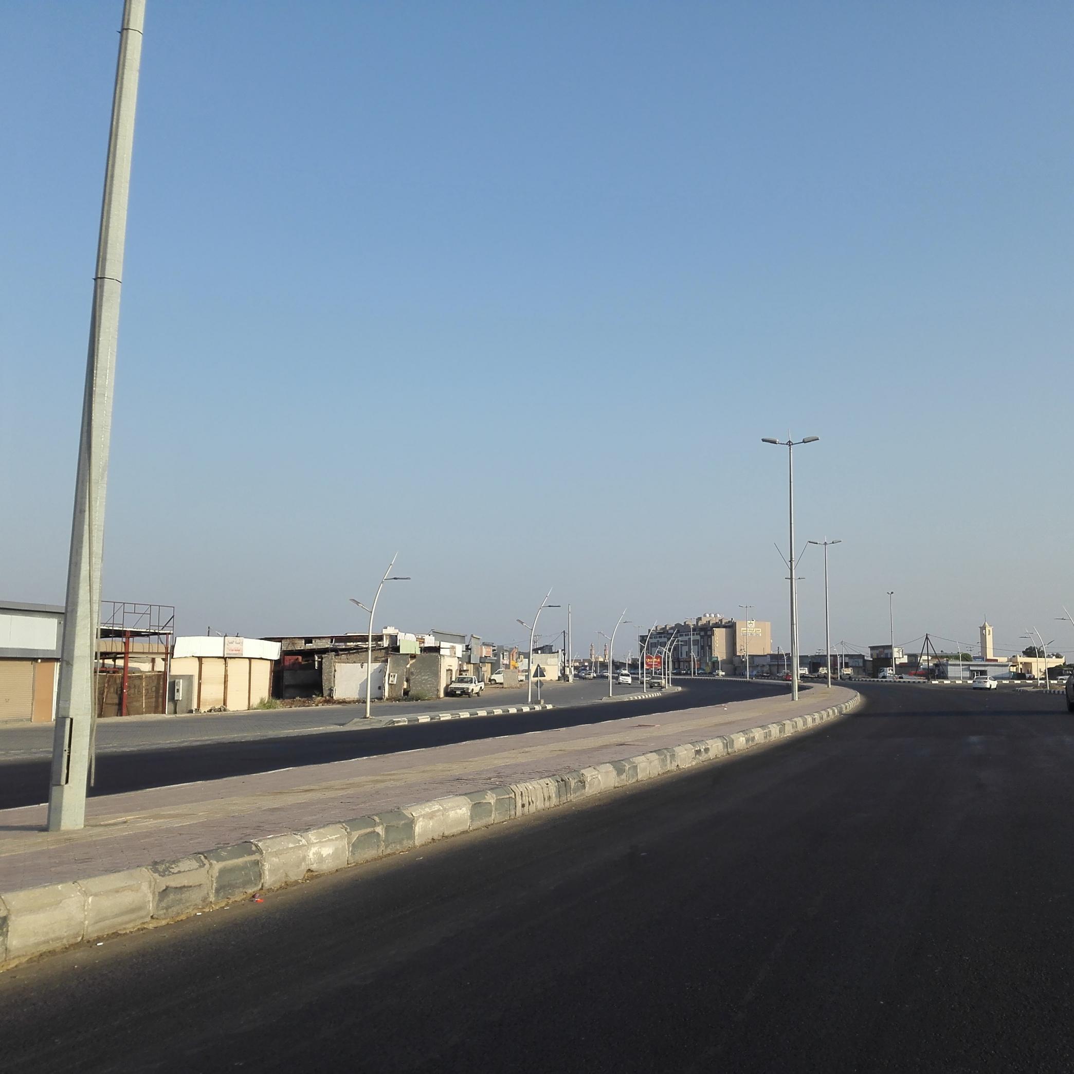 """تجاوباً مع """"المواطن"""".. إعادة سفلتة طريق الدغارير- صامطة المتهالك - المواطن"""