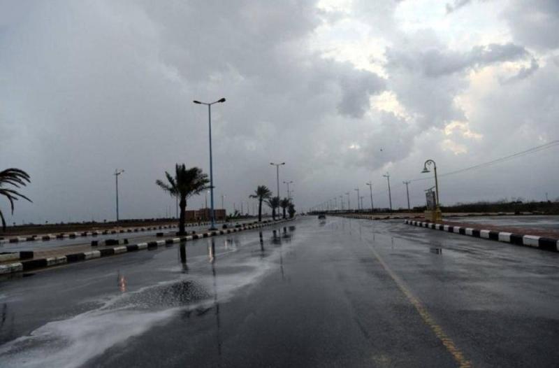 أمطار رعدية وبرد وجريان للسيول في 4 مناطق