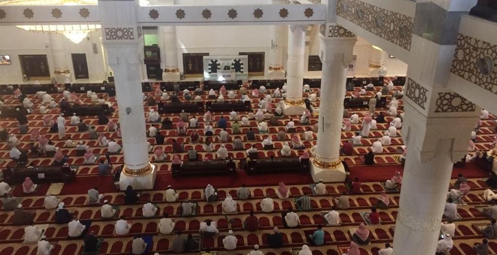 تحديث بروتوكولات الوقاية بالمساجد.. إعادة المصاحف والسماح بإلقاء المحاضرات والدروس